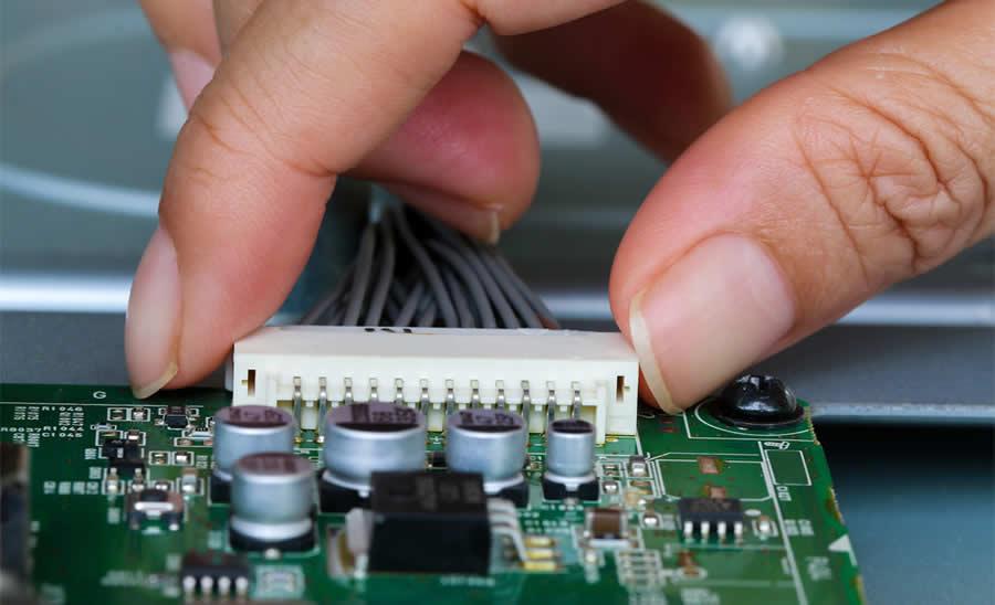 Leotronics__0004_ElectronicConnectors